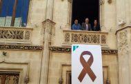 Un lazo del Pacto contra Rajoy